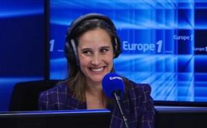 L'actrice Julie de Bona, en stage à Europe 1