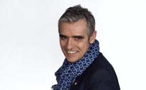 Fabrice Drouelle, une voix de radio devient personnage de théâtre