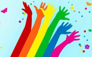"""Oui FM signe la charte """"Médias contre l'homophobie'"""