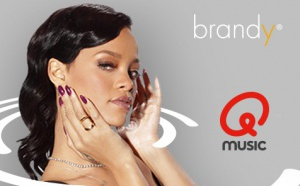 Brandy signe le nouvel habillage de Qmusic