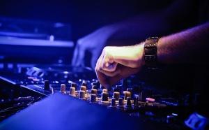 Clicklive collabore avec Radio Nova